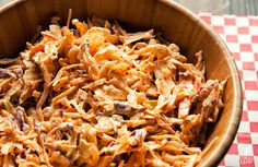 Chicken and coleslaw preparation