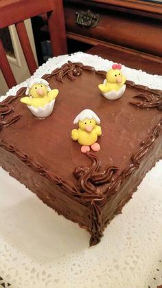 Tarta de galletas rellena de crema pastelera de chocolate , crema de nutella y ganache de chocolate con leche
