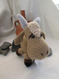 A free Goat crochet pattern written by Gala Rebes. It's on the website www.galamigurumis.com . The pattern is in Spanish.
