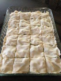 Puf puf, üstü kıtır içi yumuşacık, hazırlaması çok kolay bir börek yapabilirsiniz. Üstelik hamur açmadan yapıyorsunuz. Nasıl mı? Milföy ham...