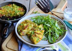 Pea and Vegetable Frittata A Spring Fling Recipe for the Diet! Low-Calorie Minted Pea & Vegetable Frittata - 200 caloriesA Spring Fling Recipe for the Diet! Vegetable Frittata, Fast Food Diet, 5 2 Diet, 200 Calories, Diet Recipes, Healthy Recipes, Easy Recipes, Frittata Recipes, Gastronomia
