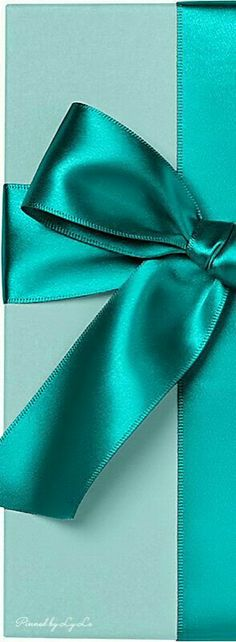 Turquoise-teal-aqua, so many shades to love ^. Verde Tiffany, Azul Tiffany, Tiffany Blue, Shades Of Turquoise, Teal Blue, Shades Of Blue, Mint Green, Turquoise Color, Teal Colors