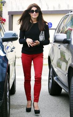 Ashley Green, Red skinny jeans, black cut out shoulder top and a houndstooth clutch. Ashley Green, Red Jeans Outfit, Red Pants, Love Fashion, Winter Fashion, Fashion Outfits, Heels Outfits, Spring Fashion, High Fashion