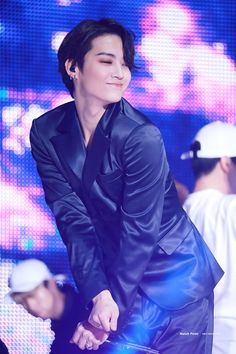jb is a hoeeee Got7 Jb, Got7 Yugyeom, Got7 Jackson, Jackson Wang, Girls Girls Girls, Jinyoung, Fandom, K Pop, Got7 Meme