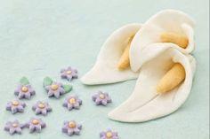 How to make fondant ( sugar paste ) - cooking tutorial Fondant Cupcakes, Cupcake Cakes, Cupcake Youtube, Fruit And Vegetable Carving, Gum Paste Flowers, No Sugar Foods, Sugar Craft, Fondant Figures, Sugar Paste