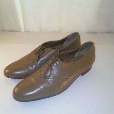 23aa7ef21a4 Playboy Mens Vintage 70 s Tan Leather Lace up Dress Shoes 8.5  Playboy   Oxfords