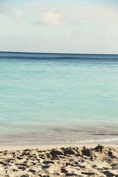waikiki beach // oahu... Cannot wait to get here for my honeymoon in January!!!