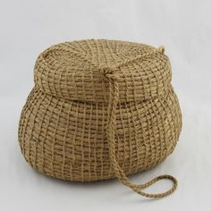 unusual vintage african american NC sweetgrass basket purse with lid