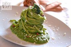Spaghetto+cremoso+con+cime+di+rapa+e+pepe+rosa