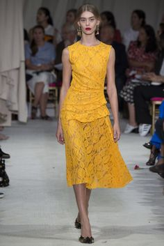 9d2192888d88 Oscar de la Renta Spring 2016 Ready-to-Wear Fashion Show