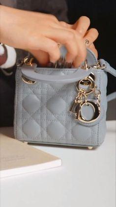 Christian Dior, Luxury Purses, Luxury Bags, Fashion Bags, Fashion Shoes, Dior Store, Designer Jewelry Brands, Estilo Fashion, Dior Couture