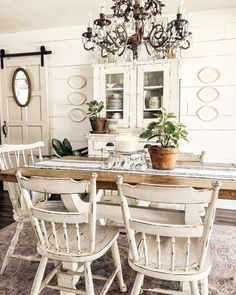 Farmhouse Style Decorating, Farmhouse Kitchen Decor, Home Decor Kitchen, Kitchen Dining, Farmhouse Table, Living Room End Tables, Dining Rooms, Dining Area, Dining Room Design