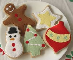 I could make felt cookies for the Santa plate to keep it out.  It is a cute plate.