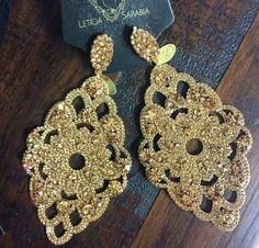 Brinco arabesco renda cravejado cristal dourado - Mix de Luxo