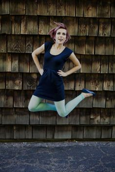 Mod-ified: a Twiggy inspired shoot // Fun jumping pose