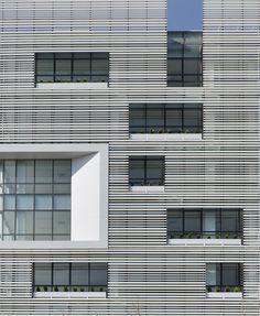 White Office Building by BNS Studio / Tehran, Tehran Province, Iran