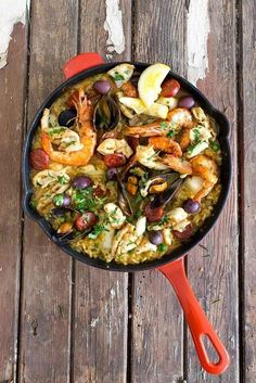 Easy Seafood Paella | Christmas Dinner Ideas Guaranteed To Make The Night Memorable