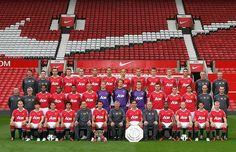 2010-2011 TEAM - Manchester United Photo (14691530) - Fanpop Manchester United Images, Manchester United Football, Ferdinand, Squad, Man Utd News, Barclay Premier League, Go Red, Picture Gifts, Manga