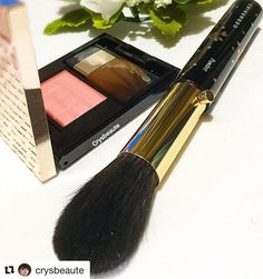 #Repost @crysbeaute with @repostapp  Retractable powder brush MK 11 #chikuhodo; #maquillage #shiseido blusher / #ilovemakeup #化妆品 #美容 #crysbeaute #beautyblog #beautyreview #makeupcollection #beautytalk  #skincare #instabeauty #sgbeauty  #instamakeup #makeuplovers #血色感 #化粧品 #makeupmess #japanesecosmetics #starclozetter