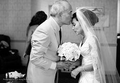 Jednym z najważniejszych elementów każdego wesela są podziękowania dla rodziców. Za miłość, za trud wychowania, za opiekę, za wyrzeczenia oraz za wiele innych rzeczy, które dotyczą rodziców, należy im bez wątpienia dziękować. Jest to jeden z najbardziej wzruszających etapów wesela, który zgodnie...