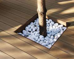 Los decks sintéticos marca Tarimatec de Fine Floors son 100% reciclables y se componen de un 50% de fibras vegetales reutilizadas de subproductos del cultivo de cereales. Tienen apariencia natural y acabado cepillado anti resbalo. Ideales para exteriores.
