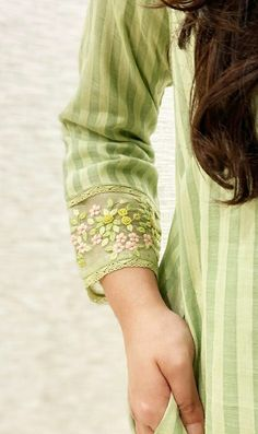 Full Sleeves Design, Kurti Sleeves Design, Sleeves Designs For Dresses, Churidhar Neck Designs, Dress Neck Designs, Simple Kurti Designs, Kurta Designs, Couture Embroidery, Embroidery Dress