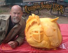 Carved by Andy Gertler of Pumpkin Sculpt USA.  #extremepumpkincarving #pumpkinsculptusa #pumpkinsculpture #pumpkincarving #AndyGertler #SueBeatrice