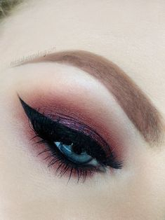 Love this smokey eye with a dramatic winged eyeliner effect x