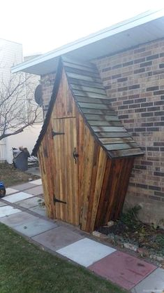 Shed Plans - Keep your garden tools organized in this whimsical DIY garden tool shed! - Now You Can Build ANY Shed In A Weekend Even If You've Zero Woodworking Experience! Wood Shed Plans, Storage Shed Plans, Diy Storage, Bench Plans, Tool Storage, Storage Spaces, Garden Buildings, Garden Structures, Jardin Zen Interior