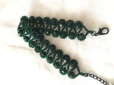 TEYEL TEKNİĞİ İLE KRİSTAL BİLEKLİK YAPIMI - YouTube Bead Jewellery, Seed Bead Jewelry, Stone Jewelry, Beaded Jewelry, Jewelry Bracelets, Tiffany Jewelry, Bracelet Making, Jewelry Making, Diy Bracelet