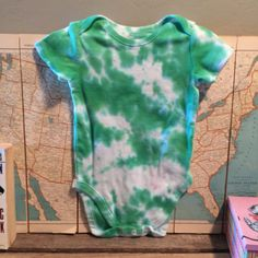 green and white tie dye onesie. 12-18mo. tie dye. by duvdesigns