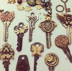 Pretty key collections #Keys #Vintage #Design #Metal