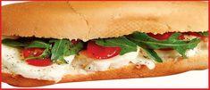 Багет с рукколой, помидорами с моцареллой    ИНГРЕДИЕТЫ:багет, 200 г моцареллы, полпучка рукколы, веточка помидоров черри, соль, сливочное масло