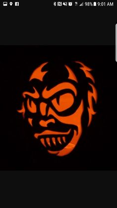 Beetlejuice pumpkin Halloween Pumpkin Carving Stencils, Pumpkin Carving Party, Pumpkin Carving Patterns, Pumpkin Stencil, Citouille Halloween, Beetlejuice Halloween, Halloween Party Decor, Halloween Pumpkins, Pumpkin Crafts