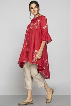 Shop Kaveri Linen Embroidered Tunic , Exclusive Indian Designer Latest Collections Available at Aza Fashions Fancy Dress Design, Stylish Dress Designs, Designs For Dresses, Stylish Kurtis Design, Designer Party Wear Dresses, Kurti Designs Party Wear, Indian Designer Outfits, Simple Pakistani Dresses, Pakistani Dress Design