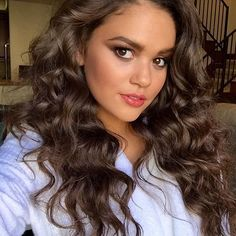 I'm not liking this morning sickness. *frowns and runs a hand through her hair and she looks like she hardly got any sleep* Daddy can we cuddle? Bombshell Beauty, Bad Girls Club, Celebs, Celebrities, Gorgeous Hair, Celebrity Pictures, Pretty Hairstyles, Role Models, Her Hair