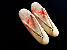Vintage Zori - Japanese Zori - Vintage Shoes - Japanese Shoes - Japanese Vintage Sandals - Kimono Shoes - Gold And Orange With Birds