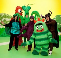 When weezer musical guest starred on yo Gabba Gabba Elmo Party, Mickey Party, Dinosaur Party, Elmo Birthday, Dinosaur Birthday, Kids Tv Shows, Movies And Tv Shows, Rivers Cuomo, Mickey Mouse Centerpiece