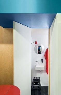 Le coin douche dans un studio de 10m2 - 33 petites salles de bains qu'on adore - CôtéMaison.fr