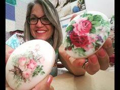 Diy Decoupagem em Sabonete Fácil - YouTube Egg Crafts, Arte Floral, Handmade Soaps, Diy Tutorial, Art Decor, Decorative Plates, Projects To Try, Christmas Decorations, Candles