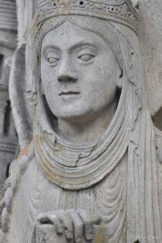 Queen Column Figure, West Wall, Chartres Cathedral.