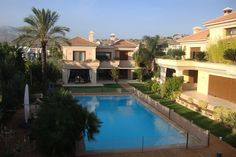 Συγκρότημα τριών κατοικιών στη Βάρη | vasdekis Mansions, House Styles, Outdoor Decor, Projects, Home Decor, Mansion Houses, Homemade Home Decor, Villas, Fancy Houses