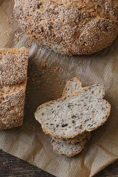 Four seed bread Seed Bread, Piece Of Bread, Multigrain, Bread And Pastries, Bread Baking, Banana Bread, Bacon, Food And Drink, Low Carb