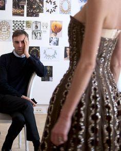 Dior and I , le documentaire de Canal + sur Raf Simons diffusé le 27 janvier 5 http://www.vogue.fr/mode/news-mode/diaporama/dior-and-i-le-documentaire-de-canal-sur-raf-simons-diffus-le-27-janvier/18698#raf-simons-dans-le-documentaire-dior-and-i