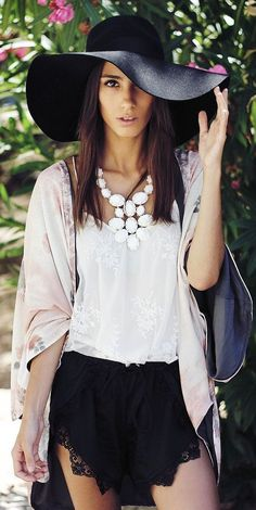 Floppy hat with lace shorts