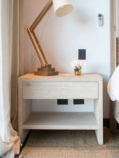 MESOPOTAMIA / Mesa de luz GAZELA Night Table, Love Home, Floating Nightstand, Ideas Para, Living Spaces, Sweet Home, Desk, Bedroom, Wood