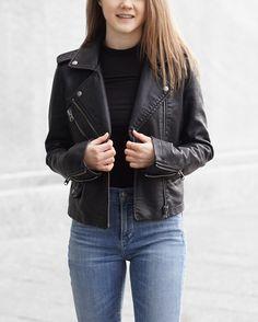 A Little Detail - Fashion // Outfit // Fall Fashion // Spring Fashion //  #outfit #springfashion #fallfashion #fashion #leatherjacket #skinnyjeans #ankleboots #blackturtleneck #womensfashion