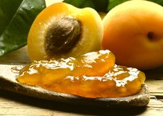 Marmellata di albicocche #ricettedisardegna #sardegna #sardinia #food #recipe Italian Cooking, Italian Recipes, Can Jam, Street Food, Preserves, Food Porn, Pie, Spreads, Sweet