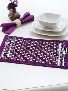 Free knitting pattern for Checkerboard Place Mat (for free registration at Annie's) tba Knit And Crochet Now, Annie's Crochet, Crochet Crafts, Crochet Doilies, Yarn Crafts, Crochet Placemat Patterns, Knitting Patterns Free, Free Knitting, Free Pattern