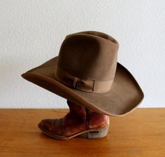 Hey, I found this really awesome Etsy listing at https://www.etsy.com/listing/202108678/vintage-mens-stetson-hat-cowboy-cowgirl